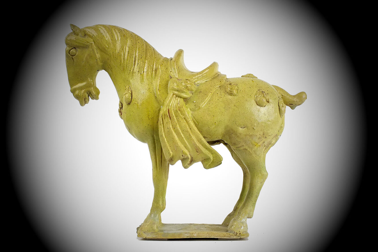 Straw-Yellow Glazed Horse (1)
