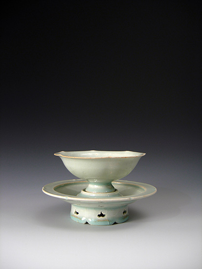 We are proud to announce that from this moment a set of Qingbai cup and stand of Chinese Song Dynasty purchased from the Becker Antiques Gallery is now in The Norton Museum of Art collection.