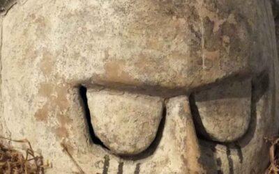 Suku Helmet Mask
