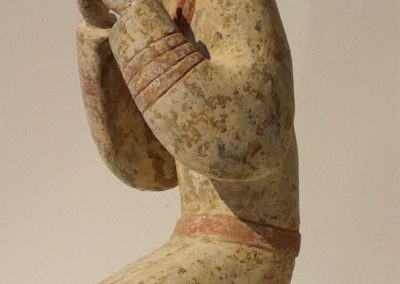 Extremely Rare Pottery Kneeling Entertainer (7)