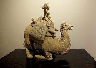 Rare Large Crouching Bactrian Camel (10)