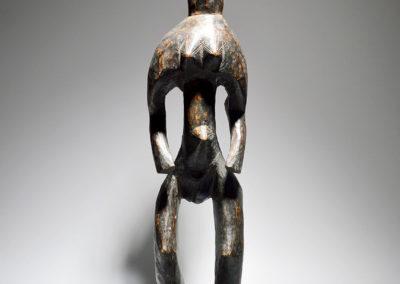 A-Mumuye-standing-female-figure-1