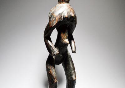 A-Mumuye-standing-female-figure